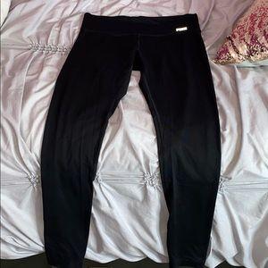 PINK Ultimate Leggings in Black